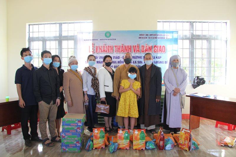 Krong Buk: Chương trình Bàn giao lớp học, trao quà Tết tại buôn Ea Kap