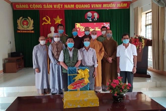 Ban Trị Sự GHPG huyện Krong Ana thăm, chúc Tết chính quyền huyện