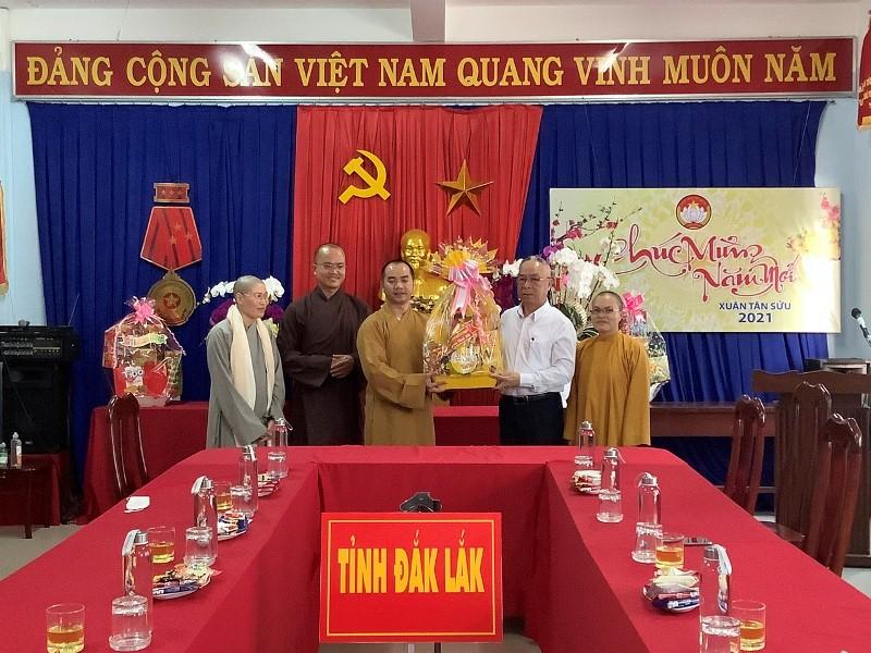 Phật giáo huyện Eakar thăm, chúc tết các cơ quan huyện eakar và tỉnh Đak Lak