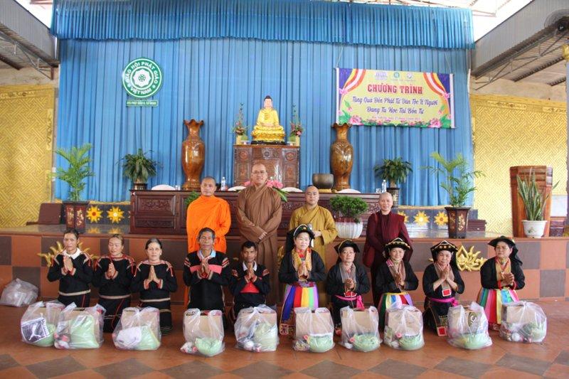CưMgar: Khóa tu 1 ngày an lạc tại chùa Hoa Nghiêm