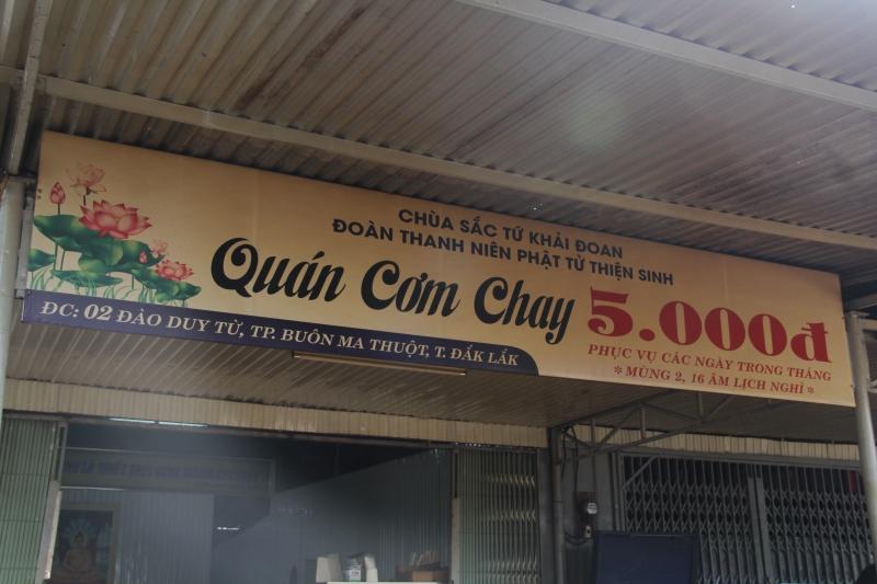Quán cơm Chay 5000Đ hỗ trợ suất ăn chay miễn phí cho bà con nghèo mùa Covid