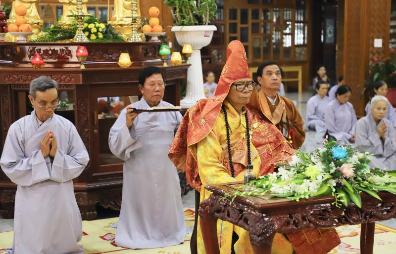 Chùa Sắc Tứ Khải Đoan: Lễ khai kinh Địa Tạng, cầu siêu cho hương linh ký linh, ký cốt
