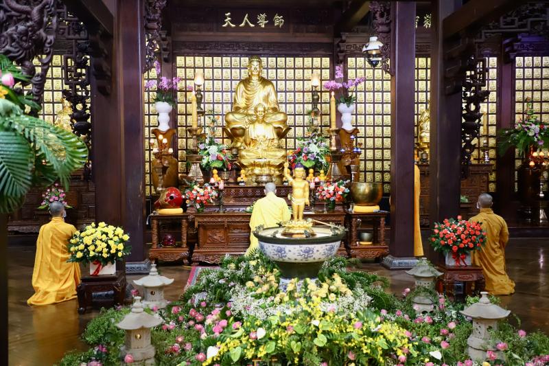 TP.BMT: Chùa Sắc tứ Khải Đoan trang nghiêm khoá lễ nhân ngày Đản sinh của Đức Từ phụ Thích Ca Mâu Ni, Phật lịch 2565