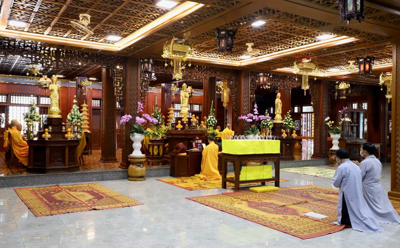 TP.BMT: Lễ kiết giới trường, khai chung bảng, tác pháp An cư kiết hạ Phật lịch 2565 tại chùa Sắc tứ Khải Đoan