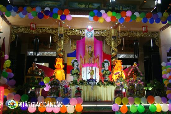 Chùa Linh Phong huyện CưMgar đã trang nghiêm tổ chức Đại lễ Phật đản PL.2562-DL.2018