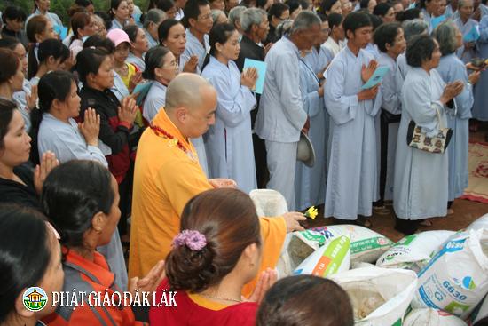 Lễ phóng sinh, thả đèn Hoa Đăng tại huyện CưMgar