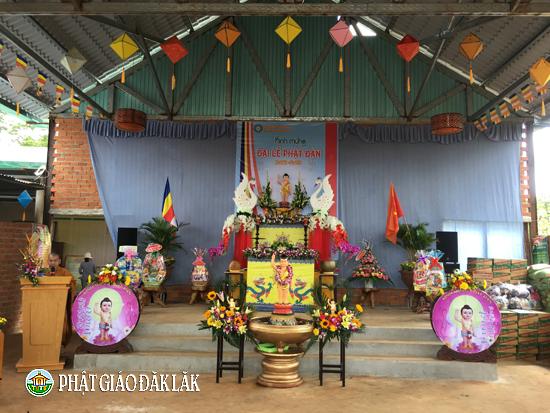 NPĐ Hưng pháp tại xã EaHding huyện CưMgar tổ chức Đại lễ Phật đản PL: 2562-DL : 2018