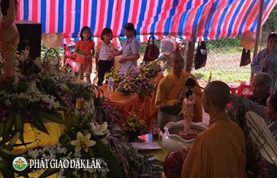 Niệm Phật Đường Hưng Phước Xã EaKiết, huyện CưMgar tổ chức đại lễ Phật đản