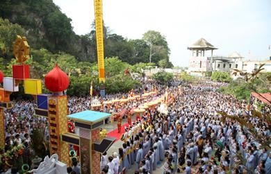Lễ hội Quán Thế Âm diễn ra trọng thể tại Đà Nẵng với Hàng ngàn người tham dự