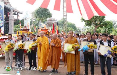VIDEO : Ban Văn Hóa phối hợp Ban TTTT GHPGVN tỉnh Đăk Lăk tổ chức Triển lãm ảnh Thời sự Nghệ thuật Phật giáo