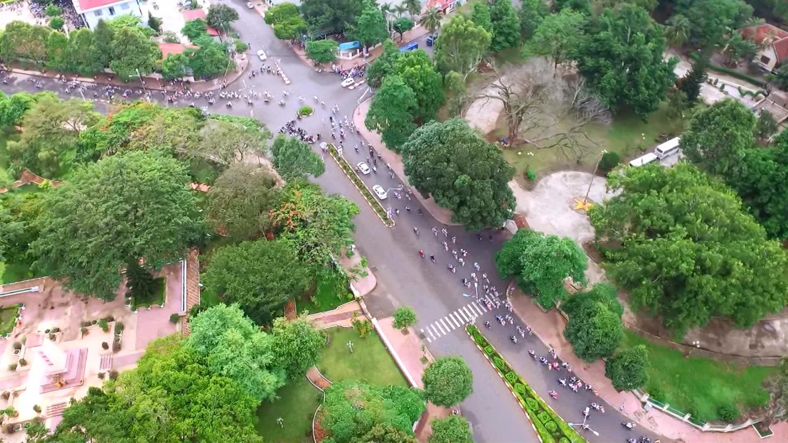 VIDEO Diễu hành xe đạp hoa mừng Phật đản PL. 2562 – DL 2018