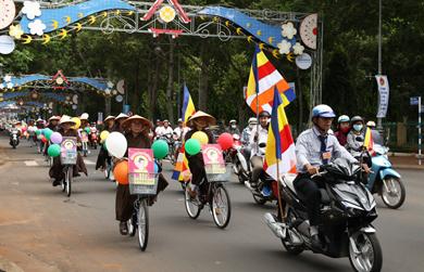 Diễu hành xe đạp hoa mừng Phật đản PL. 2562 – DL 2018