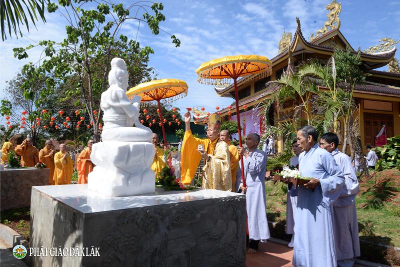 Chùa Liên trì tổ chức lễ An vị Tam Thánh Phật và 12 Hạnh Nguyện Bồ Tát Quán Thế Âm tại