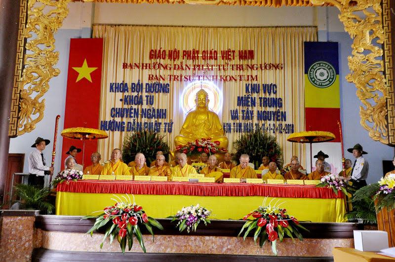 Phật giáo Đắk Lắk tham dự khóa bồi dưỡng và khóa tu chuyên ngành tại Kon Tum.