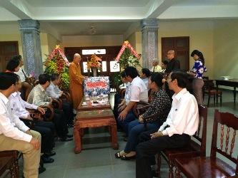 Phái Đoàn HĐND-UBND-UBMTTQVN-Ban Tôn Giáo Tỉnh DakLak Chúc Mừng Đại Lễ Phật Đản PL.2559 Ban Trị Sự GHPGVN Tỉnh DakLak