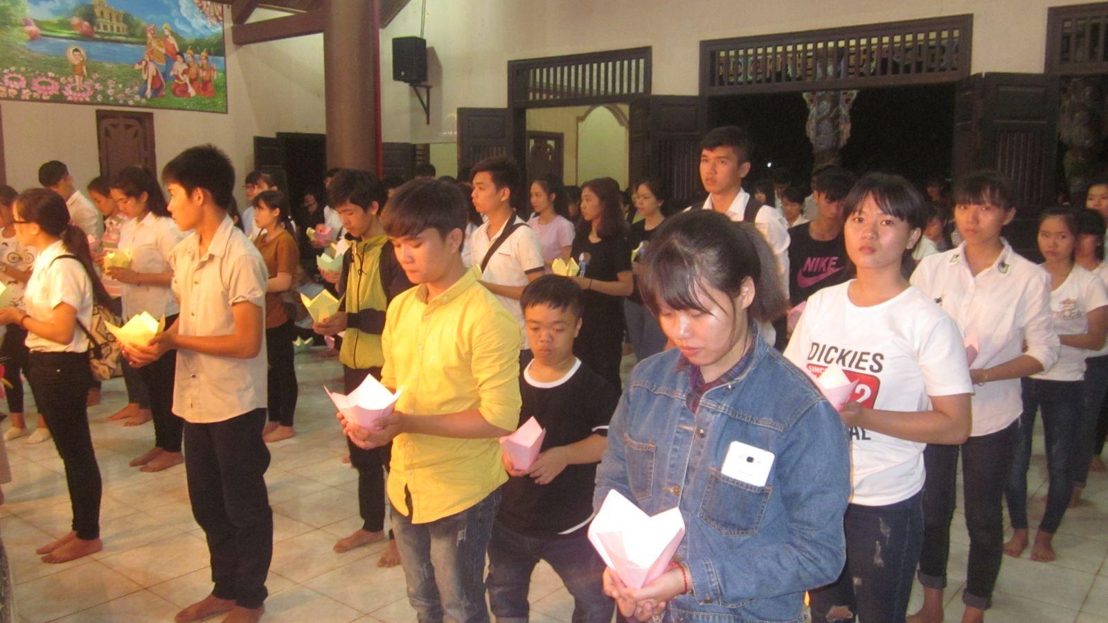 """Lễ """"Tiếp sức mùa thi"""" cho học sinh khối 12 Tại chùa Hoa Nghiêm"""